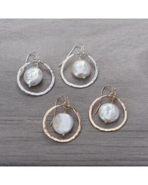Unity Earrings - Gold/White Pearl